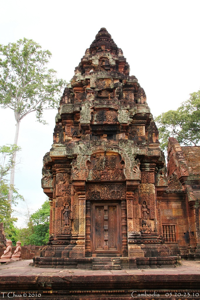 False door (for spirits) on the south tower. Banteay Srei 6