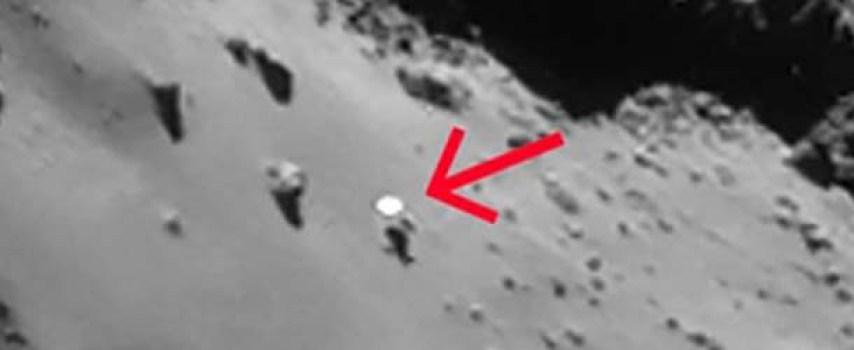 ovni cometa 67p1 - Descubren un OVNI sobre la superficie del cometa 67P