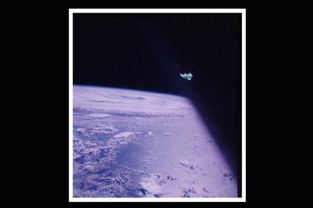 Apolo 7,ocultando ovnis con cinta adhesiva