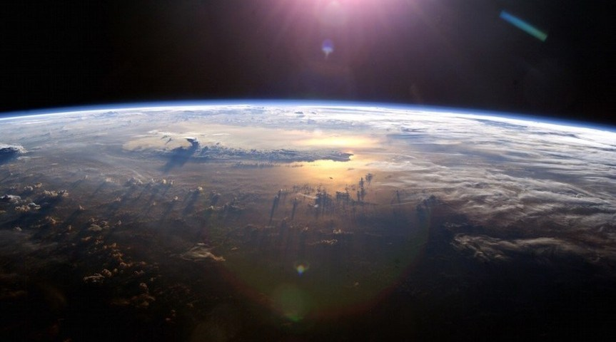 Científicos quieren rociar el cielo con polvo de diamante para evitar el calentamiento global