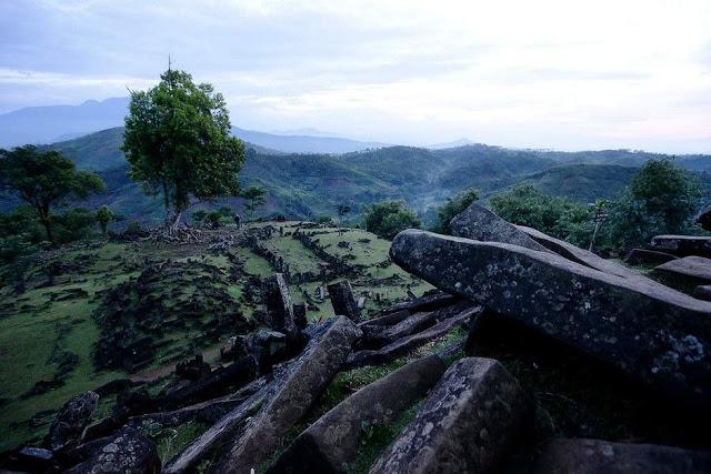 La Pirámide de Gunung Padang podría reescribir la historia de la humanidad