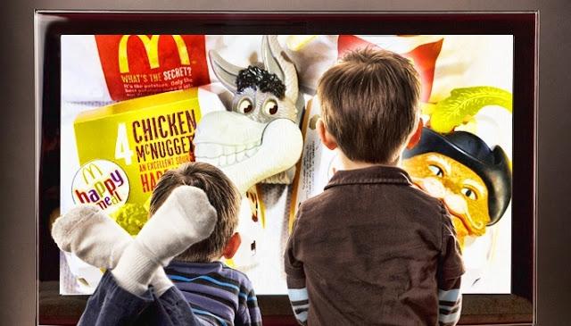 Niños, el principal objetivo de las corporaciones