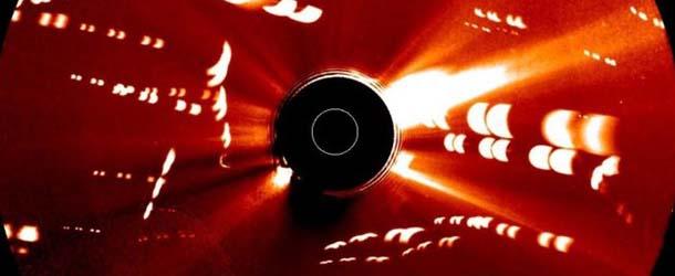 NASA muestra una flota de naves extraterrestres cerca del Sol