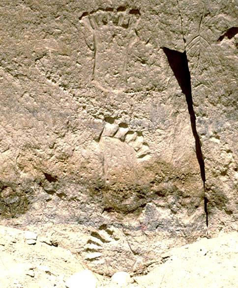 Las enigmáticas decoraciones de manos con seis dedos de los indios Pueblo en Cañon del Chaco