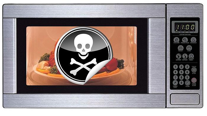 Lo que ocurre cuando consumimos alimentos calentados en el microondas