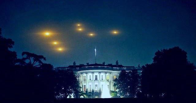 """Ex Director de la fuerza área dice: """" Tengo fotos que demuestran que aliensdispararon un rayo de luz sobre la Casa Blanca"""