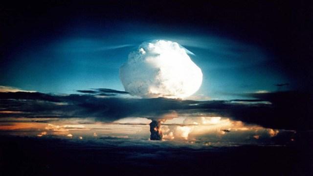 En 1994, un destacado economista demostró que EE.UU. había planeado seriamente un primer ataque nuclear contra la URSS, pero los medios no hicieron caso al descubrimiento.
