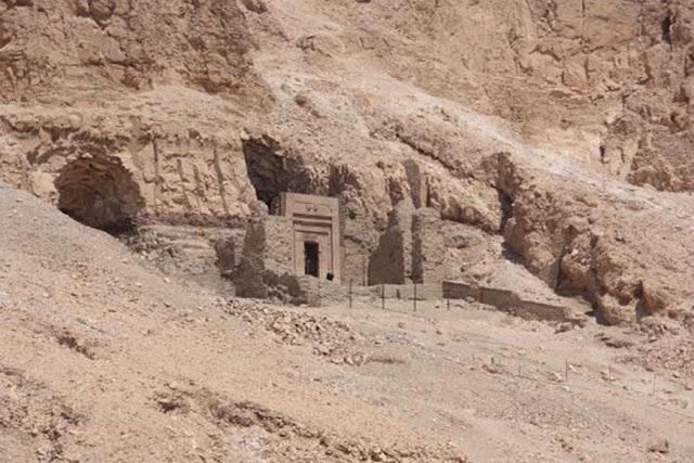 Secretos Y Mapas Estelares: La Misteriosa Tumba De Senenmut, Íntimo Compañero De La Reina Hatshepsut