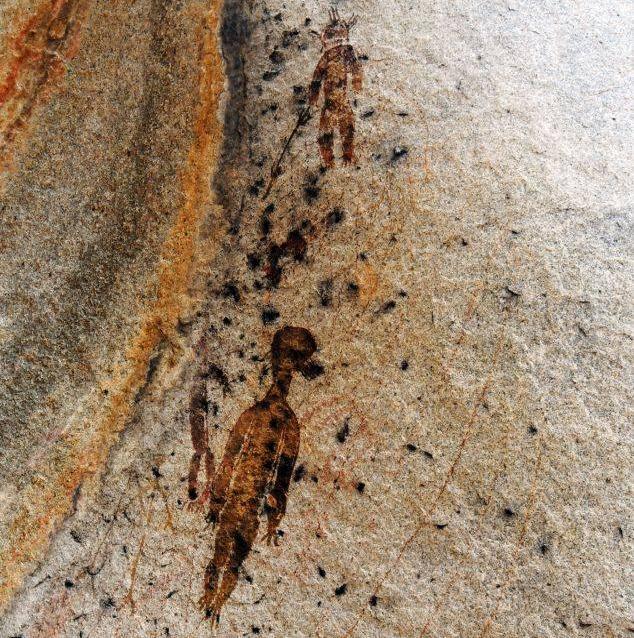 Hallan en la India pinturas con más de 10000 años donde aparecen ovnis y extraterrestres