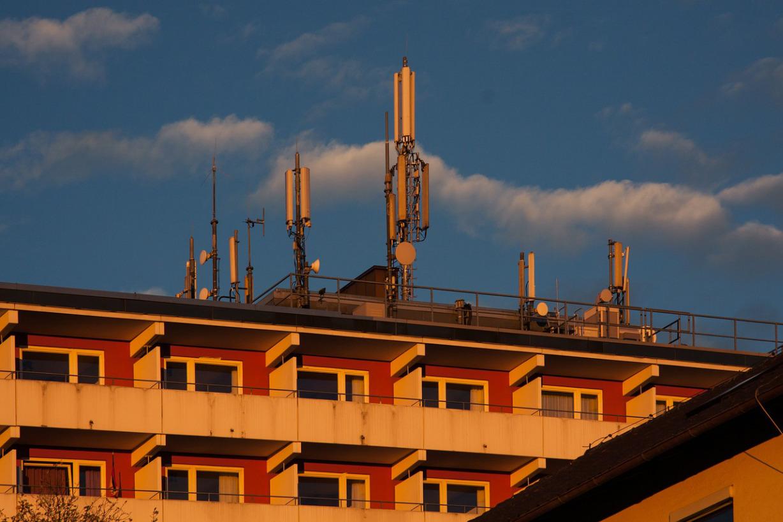 Los peligrosos efectos, de vivir cerca de una antena de telefonía móvil (Estudios que no quieren que leas)