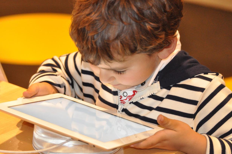 60 estudios contundentes sobre el daño que produce el sistema wifi