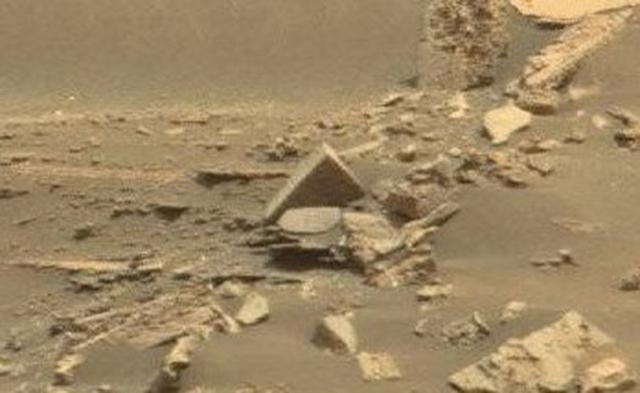 Foto por el robot de la NASA muestra un ladrillo de una antigua civilización que existió en el planeta rojo