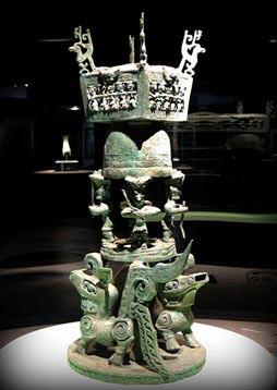 sacrificial altar - Únicos 3.000 años de antigüedad artefactos Sanxingdui para ser revelado en toda su gloria