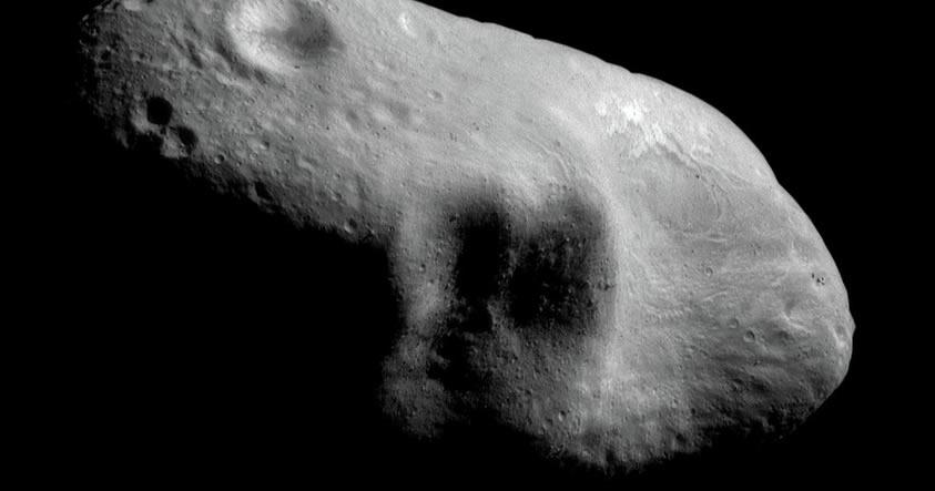 2000 ET70: El asteroide con forma de puño cerrado que amenaza a la Tierra