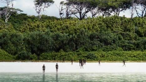 Una isla habitada por una tribu de la edad de piedra