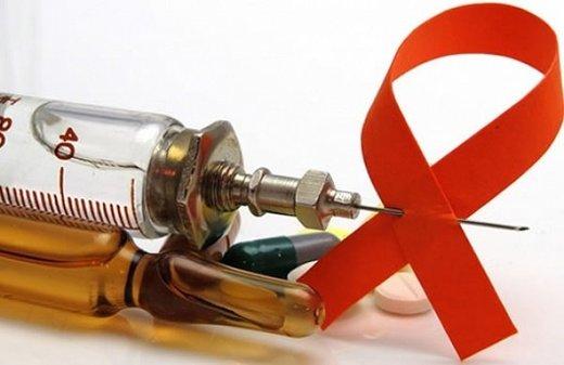 Ganador del Nobel afirma que nuestro cuerpo puede curarse por sí solo del VIH (Video)