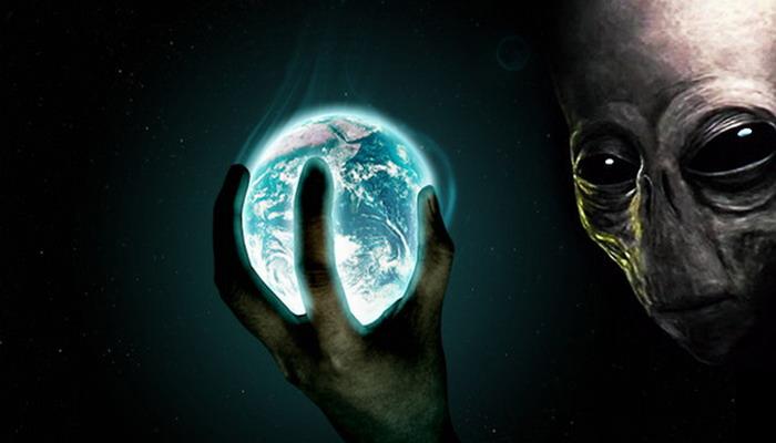 Los implantes alienigenas ahora son como los que hace DARPA que invaden el cerebro humano