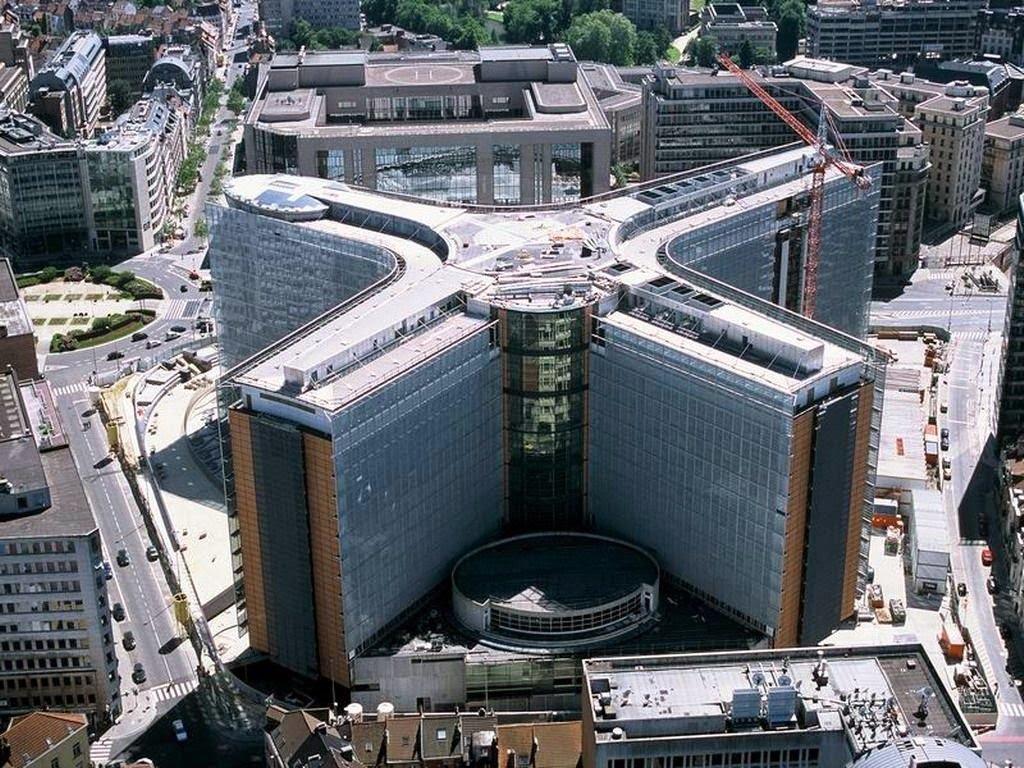 La súper computadora de Bruselas: LA BESTIA, Lista para marcar con el Chip 666