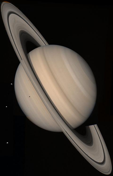 """El Misterio de las Naves Galácticas en Saturno de 49.890 kilómetros de Longitud / Segun NASA Los Planetas """"Flotantes"""" Podrían ser más Comunes que las Estrellas"""