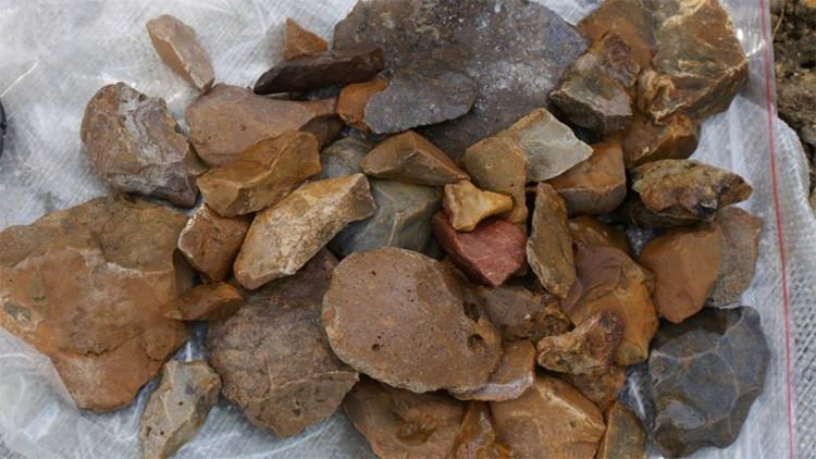 Herramientas de la Edad de Piedra dejan perplejos a los científicos, ¿quién lascreó?