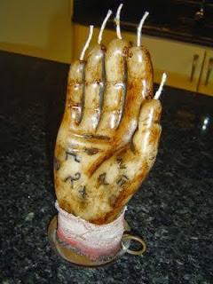 la mano del muerto o la mano de gloria la historia de unos de los hechizos mas temidos de la edad media 2 - La Mano del Muerto o La Mano de Gloria. La historia de unos de los hechizos mas temidos de la Edad Media.