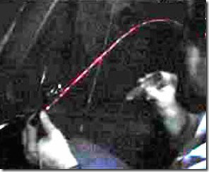laser beam thumb - Desvelamos La Verad Sobre el Viajero Del Tiempo john titor