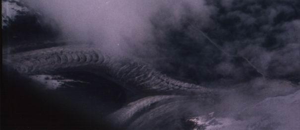 Publican fotos de dragones en el cielo del Tibet