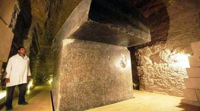 stoneboxes3 - LOS CIENTIFICOS SIN PALABRAS ANTE LO QUE ENCUENTRAN DEBAJO DE EGIPTO! UNO DE LOS MISTERIOS MAS CONTROVERTIDO