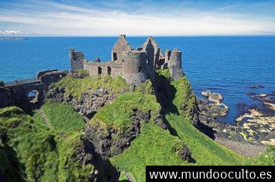 Irlanda de fantasmas: cinco castillos y un túnel encantados