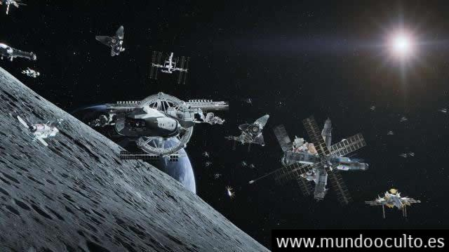 Hay una enorme flota OVNI detrás de la Luna con intenciones desconocidas