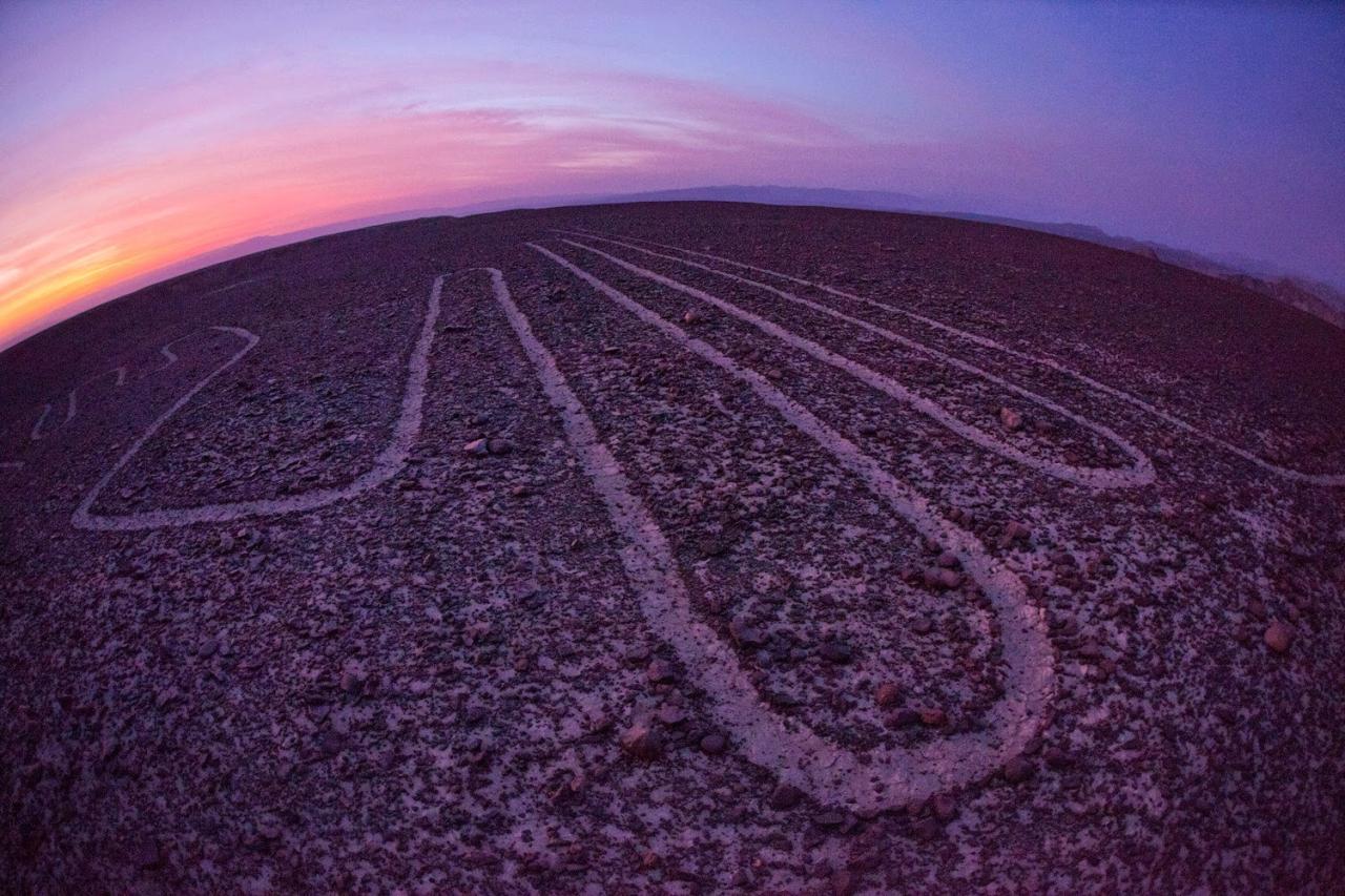 Líneas de Nazca: ¿Pistas de Aterrizaje Extraterrestres?