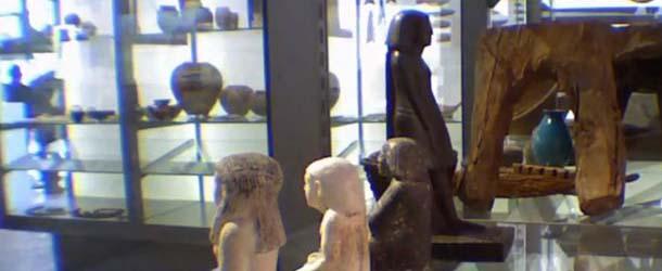 Antigua Reliquia Egipcia sorprendentemente gira por sí sola – ¿antiguo espíritu podría estar luchando para salir?