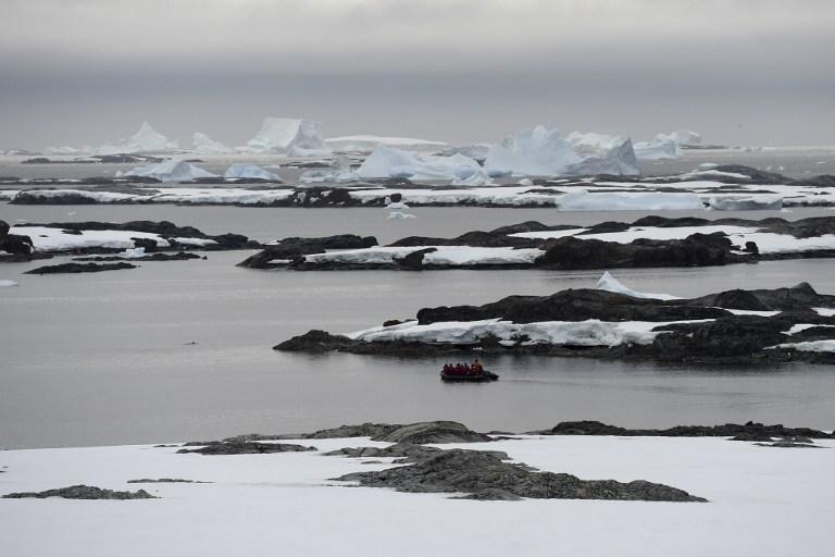 """La misteriosa """"anomalía"""" enterrada en la Antártica que enfrenta a caza ovnis y científicos"""