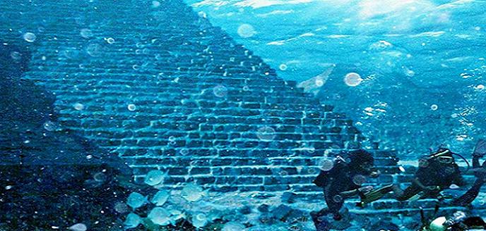 ¿Una pirámide subacuática de 20.000 años de antigüedad en el Atlántico?