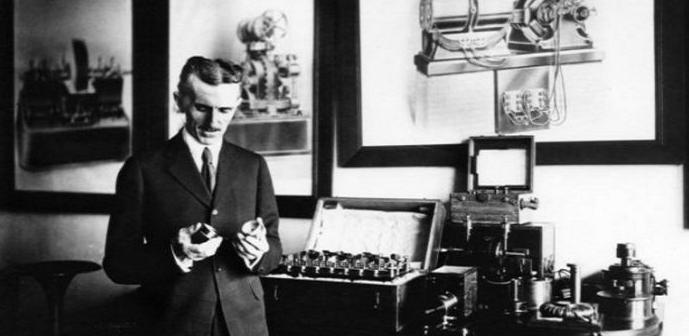 ¿Extraterrestres ayudaron a Tesla a inventar la Primera Máquina AntiGravedad?