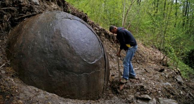 Esfera de piedra descubierta en Europa es la última evidencia de la antigua civilización perdida.