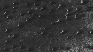 Esta nueva imagen de la NASA revela increíbles barjanes en la superficie de Marte