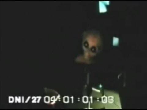El asombroso interrogatorio a un extraterrestre en el Área 51.