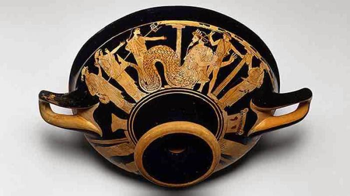 Descubren nombres ocultos en cerámicas de la Antigua Grecia.