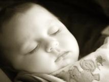 Los bebes aprenden durmiendo