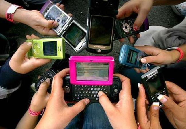 La Oficina Federal de Alemania advierte del uso excesivo del teléfono móvil en la salud