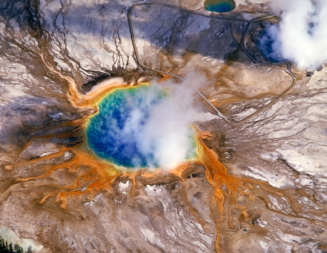 https://i2.wp.com/yellowstone.net/wp-content/uploads/2012/10/grand-prismatic-spring.jpg