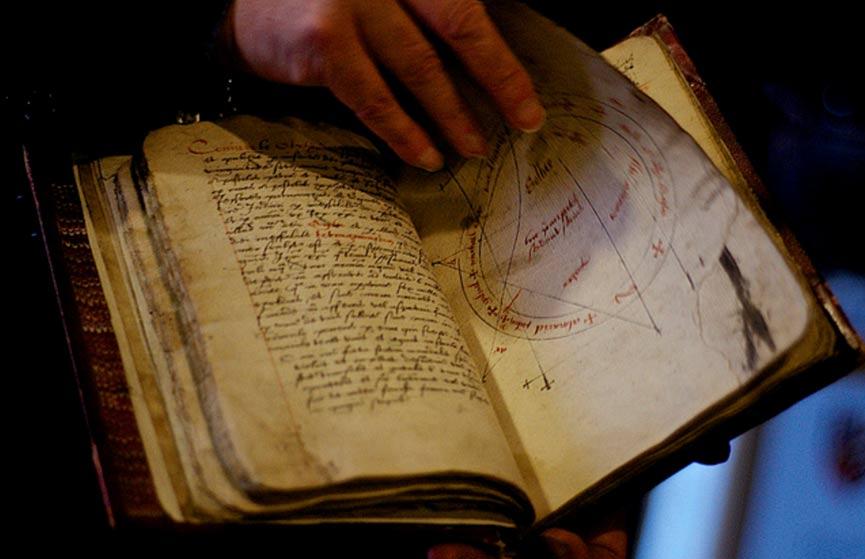 La Magia de los Antiguos: Cinco Increíbles Textos de Hechizos, Maldiciones y Encantamientos