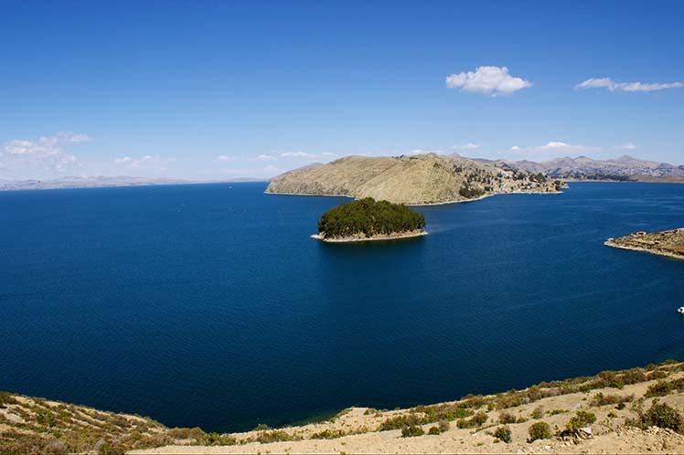 Lago Titicaca, mas secreto que la superficie de la luna