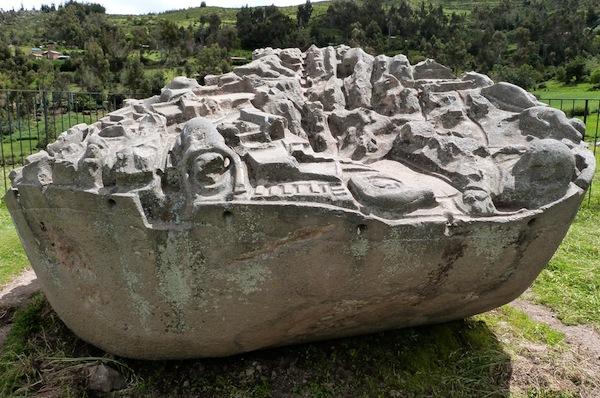 La Roca de Sayhuite: La misteriosa piedra que contiene figuras geométricas grabadas en ella.