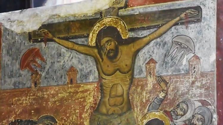 ¿Extraterrestres en la crucifixión de Cristo? Una pintura podría ser la respuesta