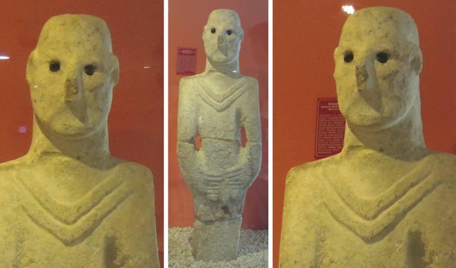 Los idolos de los ojos antigua estatua de tamaño real