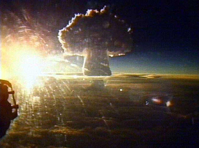 ¿Qué le sucedería al planeta si repentinamente detonaran todas las armas nucleares?