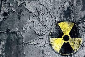 Las eléctricas de Fukushima en Japón utilizan a mendigos para limpiar los reactores nucleares.