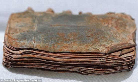 70 Libros de Metal hallados en Jordania Podrían Cambiar la Historia Bíblica
